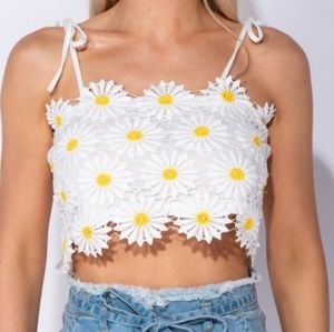 Lace daisy floral crop top